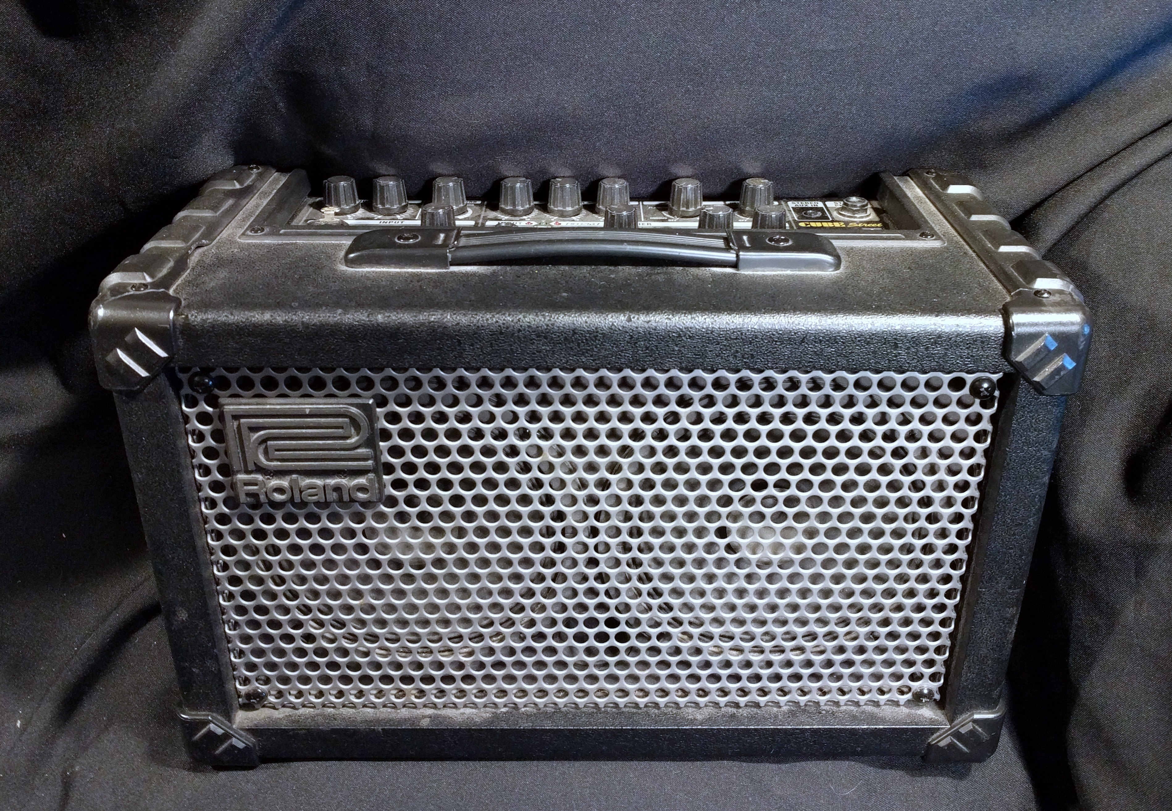 roland cube street amplifier amp 2 channel guitar vocal portable battery powered ebay. Black Bedroom Furniture Sets. Home Design Ideas